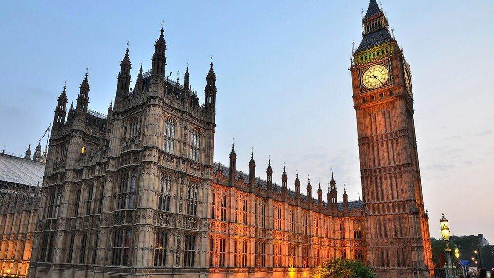 بوریس جانسون دولت بریتانیا را از لندن خارج می نماید