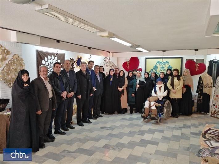 برپایی نمایشگاه و کارگاه صنایع دستی در نگارخانه میرک مشهد