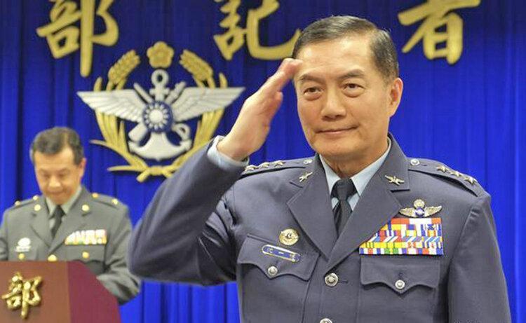 مرگ رئیس ستاد ارتش تایوان در سقوط بالگرد ، سایه سیاه بر سر انتخابات