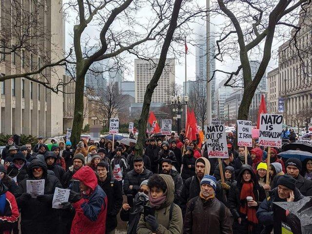 تجمع معترضان کانادایی در اعتراض به تحریم های آمریکا علیه ایران
