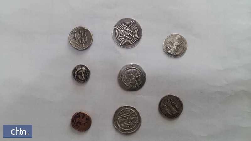 کشف و ضبط 8 سکه تاریخی از قاچاقچیان در ایلام