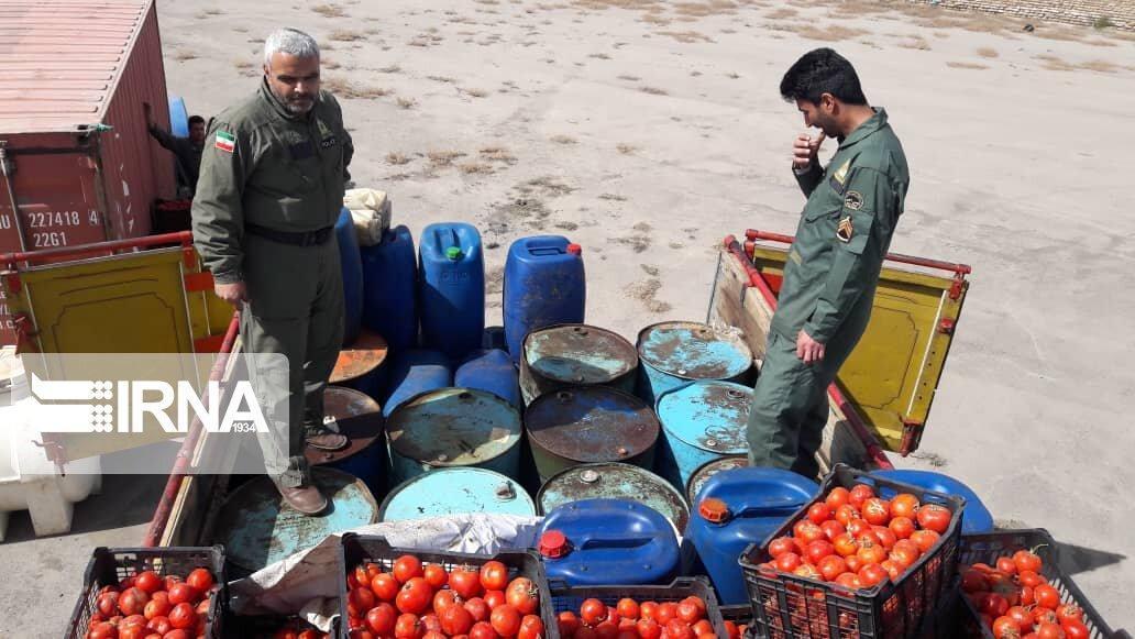 خبرنگاران کشف گازوئیل قاچاق با طعم گوجه فرنگی در سیرجان