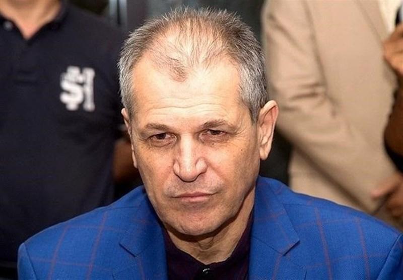 منزوی: شرایط استقلال اسفبار است، کاش فتح الله زاده تحمل می کرد تا یک فکر اساسی بکنیم