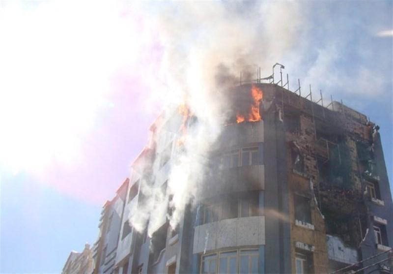 جزئیات نجات ساکنان اصفهانی در مجتمع مسکونی 12 واحدی گرفتار آتش
