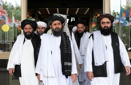 طالبان آمریکا را تهدید کرد: توافقنامه را زیا پا بگذارید جنگ را آغاز می کنیم