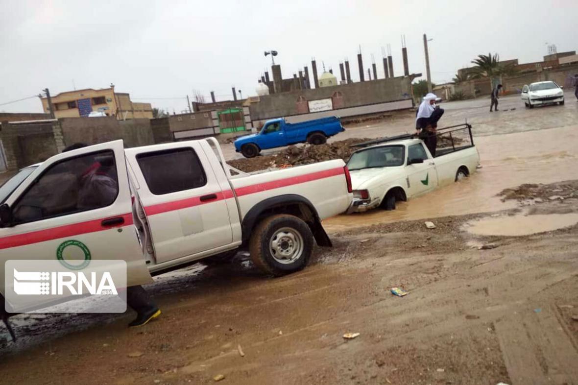 خبرنگاران 10 خانواده کرمانشاهی گرفتار سیلاب شدند