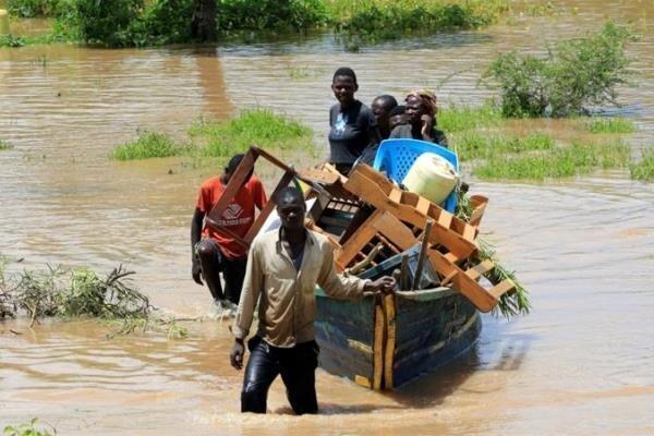 سیلاب و رانش زمین در کنیا، 194 تن کشته و 100،000 نفر آواره شدند