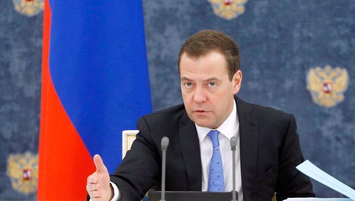 خبرنگاران مدودیف: روسیه به رزمایش های غرب در دوره کرونا پاسخ خواهد داد