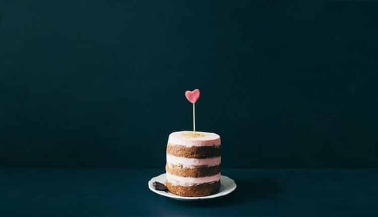 40 مدل کیک تولد دونفره عاشقانه؛ از لاکچری تا قابل تهیه در منزل!