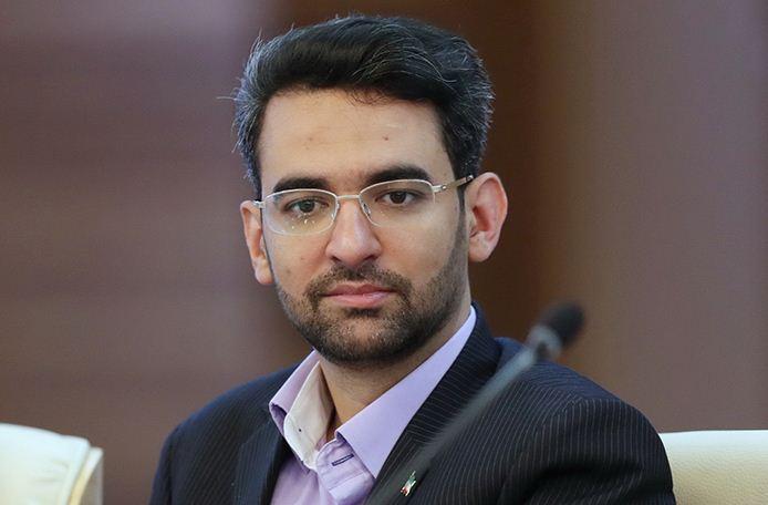 آذری جهرمی: اینترنت رایگان برای تمام دانشجویان از امروز فعال می گردد
