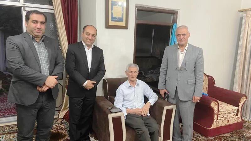 خبرنگاران ملاقات فرماندار رضوانشهر با دو هنرمند بیمار سالمند این شهرستان