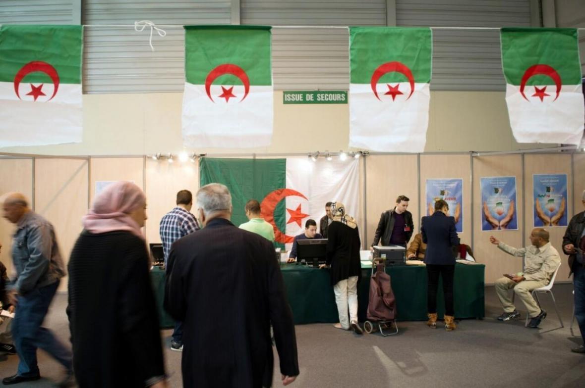 انتخابات کم رونق قانون اساسی در الجزایر