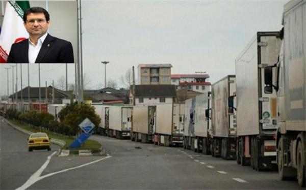 تجمع کامیون ها در پایانه مرزی آستارا ؛ در دو سوی مرز کارشکنی می نمایند