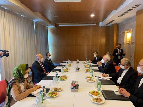 ظریف با وزیرخارجه افغانستان ملاقات کرد